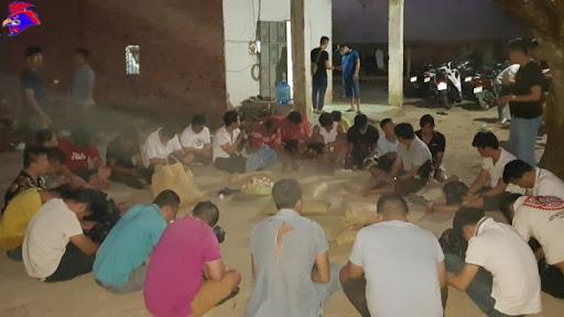26 đối tượng tham gia cờ bạc đá gà tại Bình Dương.